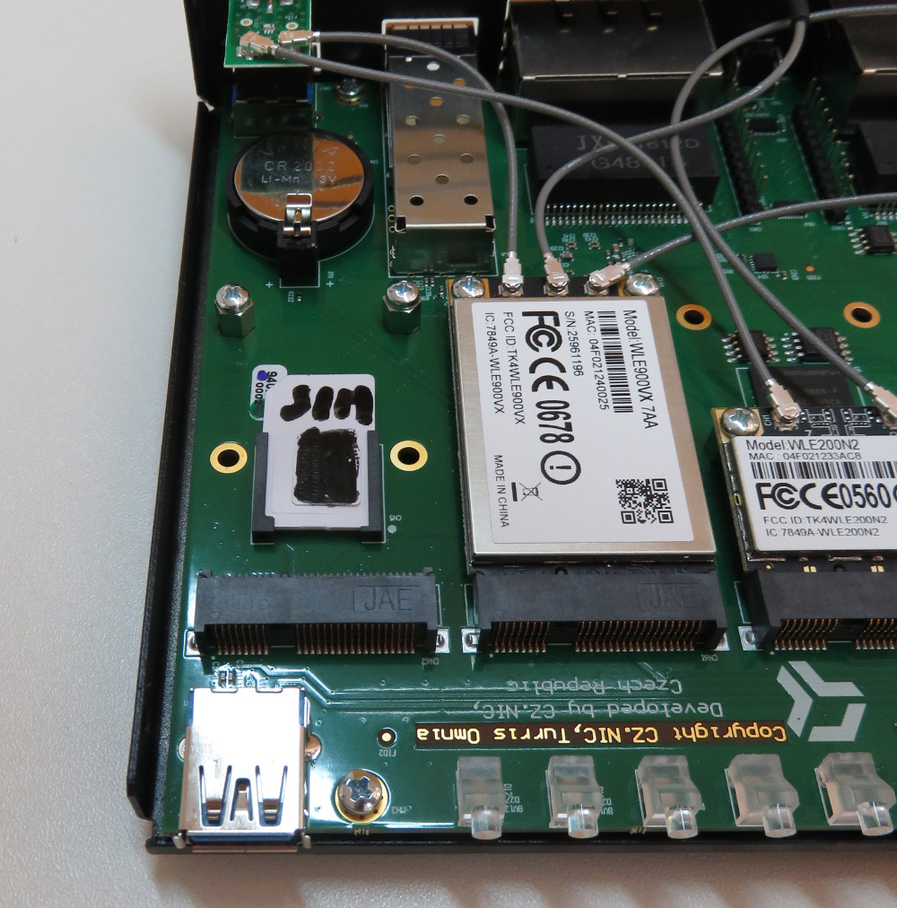 Plug In Cooler >> Installation of LTE modem into Turris Omnia router [Project: Turris]